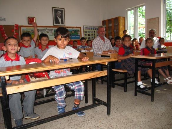 Dean and head teacher, Hasan Şahin, join one of the classes